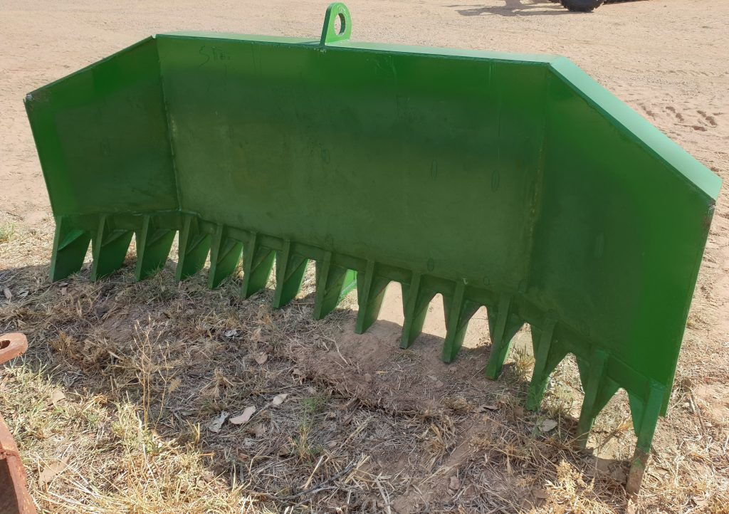 Stick rake for 100hp agricultural tractor