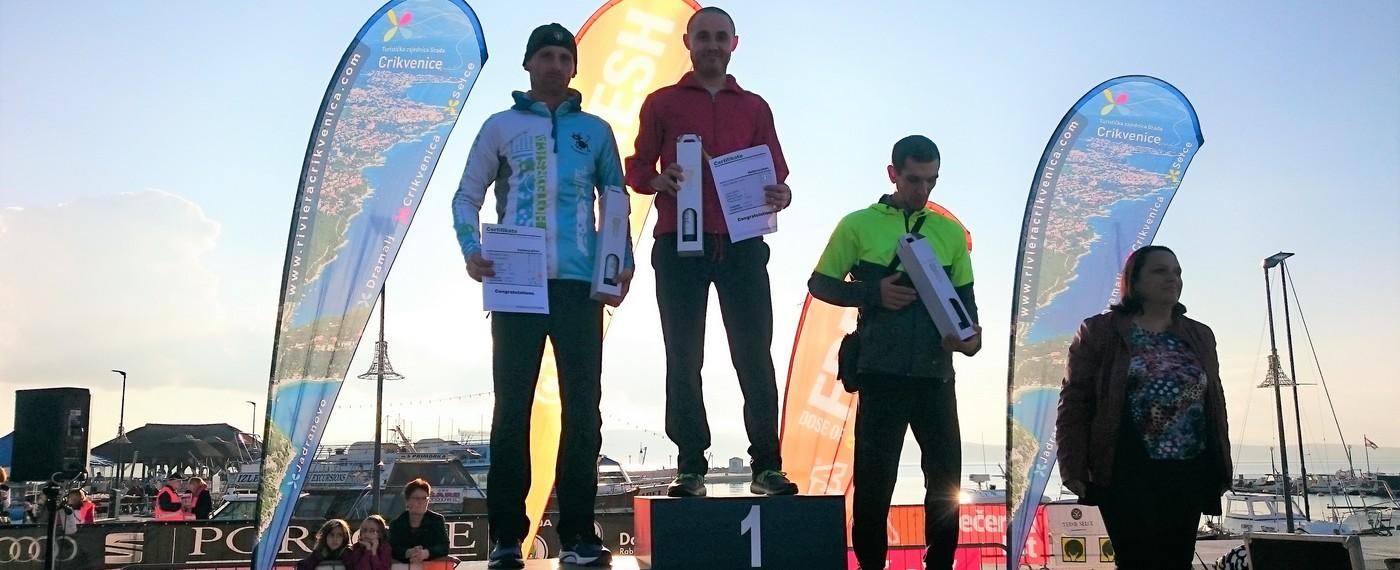 Marijan Huzjak na postolju - 6. Adria Advent maraton