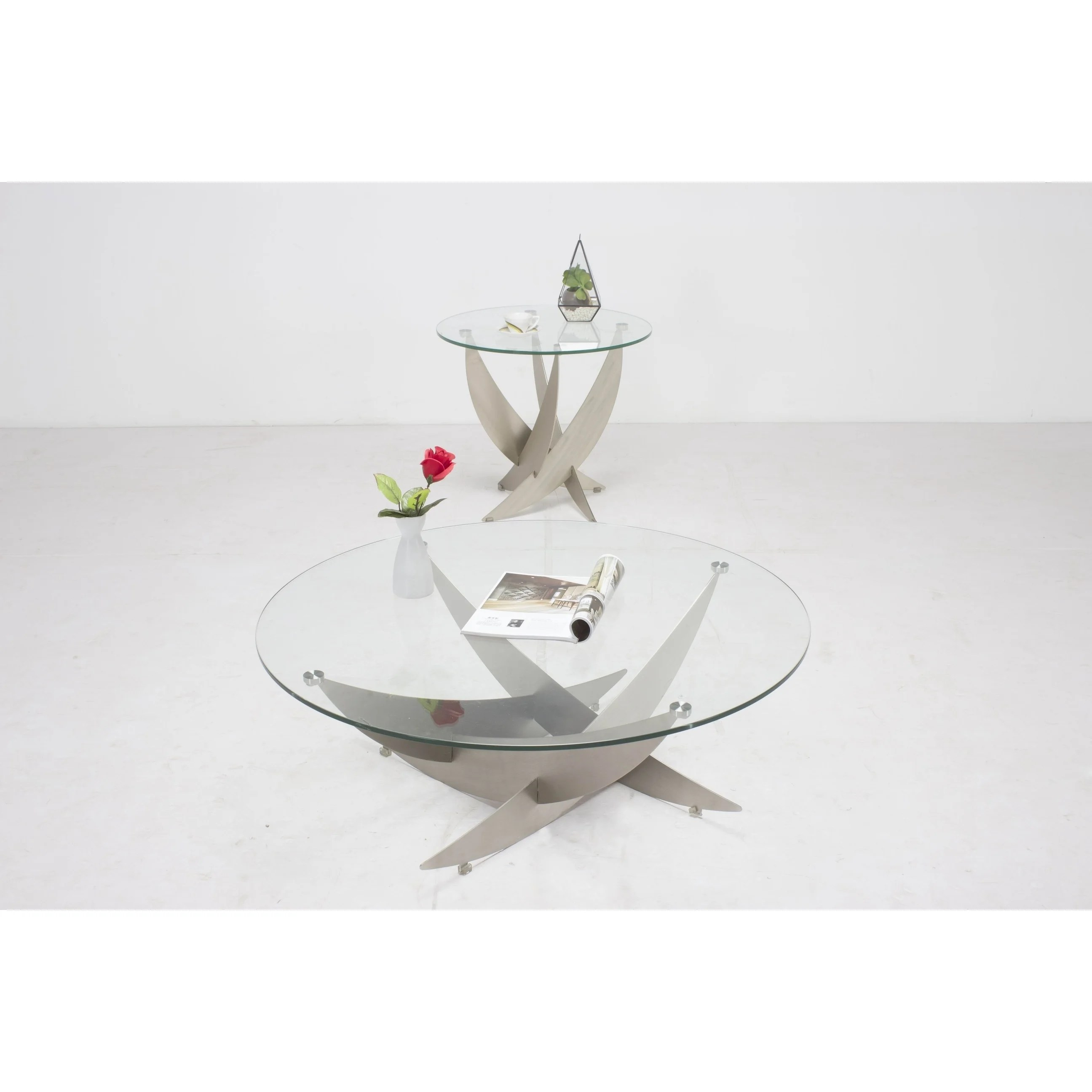 somette skyler art deco cocktail table with round glass top 40 x 40 x 15