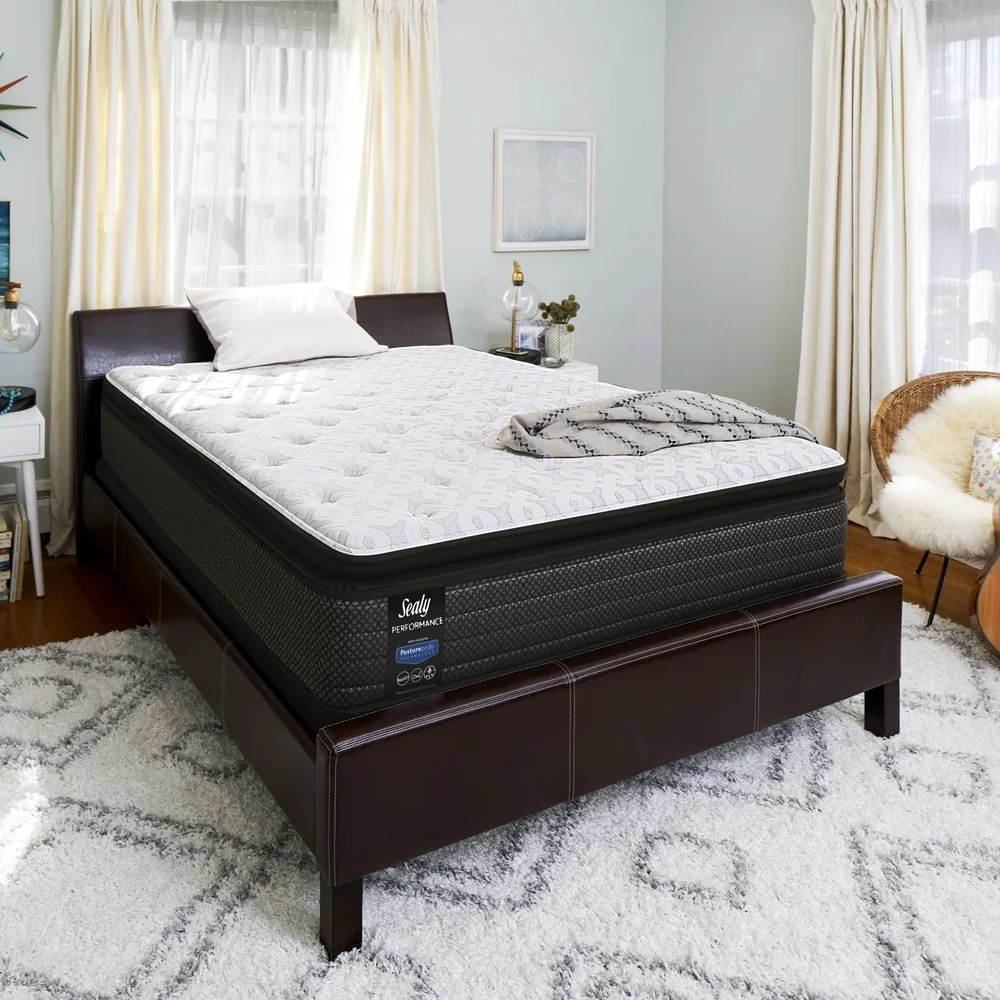 sealy response performance 14 inch plush pillow top mattress set