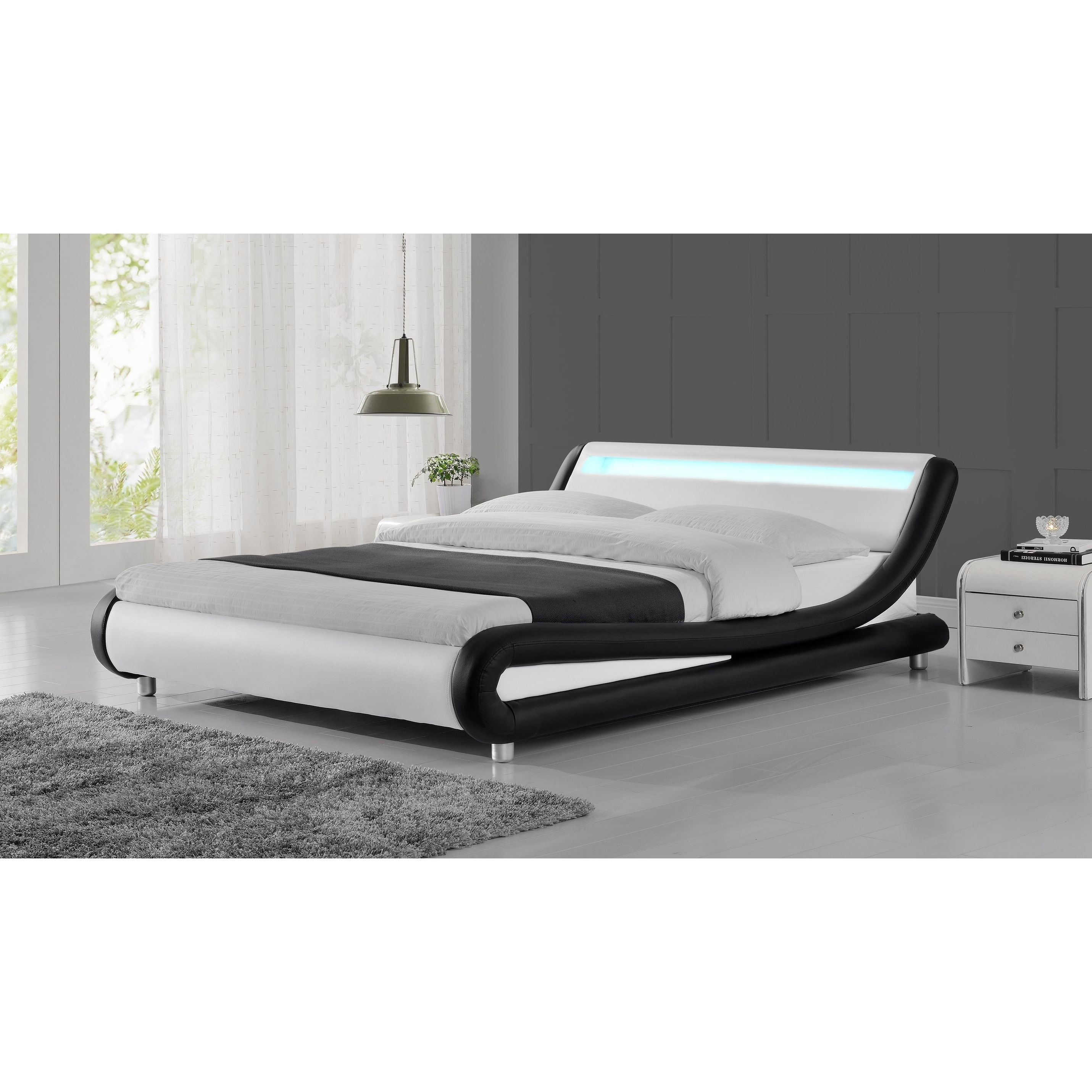 Zender Modern Curved Black And White Platform Bed Overstock 27617431 California King