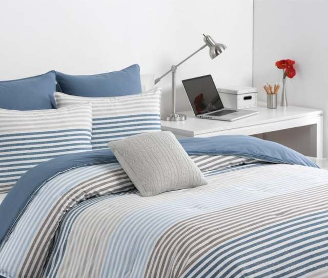 Faqs About College Dorm Bedding