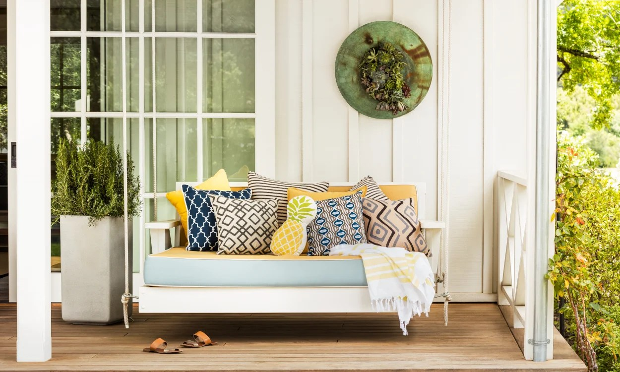 how to buy outdoor furniture cushions