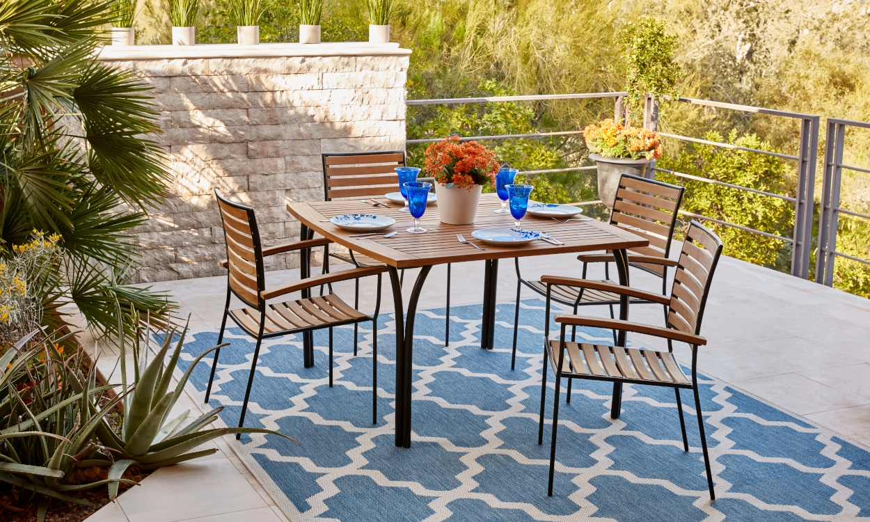 how to choose the perfect patio table