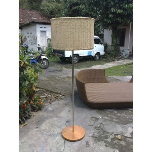 113 JRSR-Stand Lamp 02