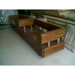 27 JRNR-007 Bench Square with Arm