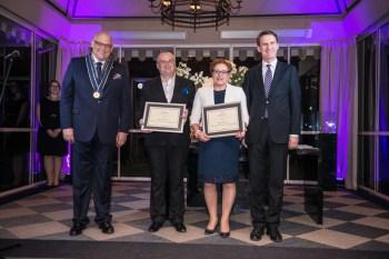 Od lewej: Maciej Dobrzyniecki, Paweł i Hanna Lis (Prix de la Littérature Gastronomique), Włodzimierz Kiciński (Członek AG)
