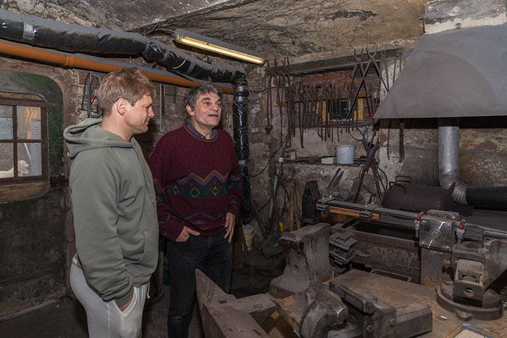 Jogi und Andreas in der Schmiede