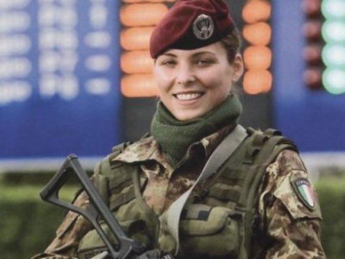 zena vojnik