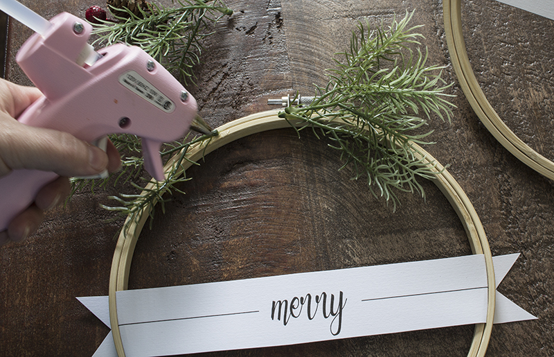 AKA Design Merry Christmas Embroidery Hoop Wreaths Place Paper Tag 5 BLOG PIC