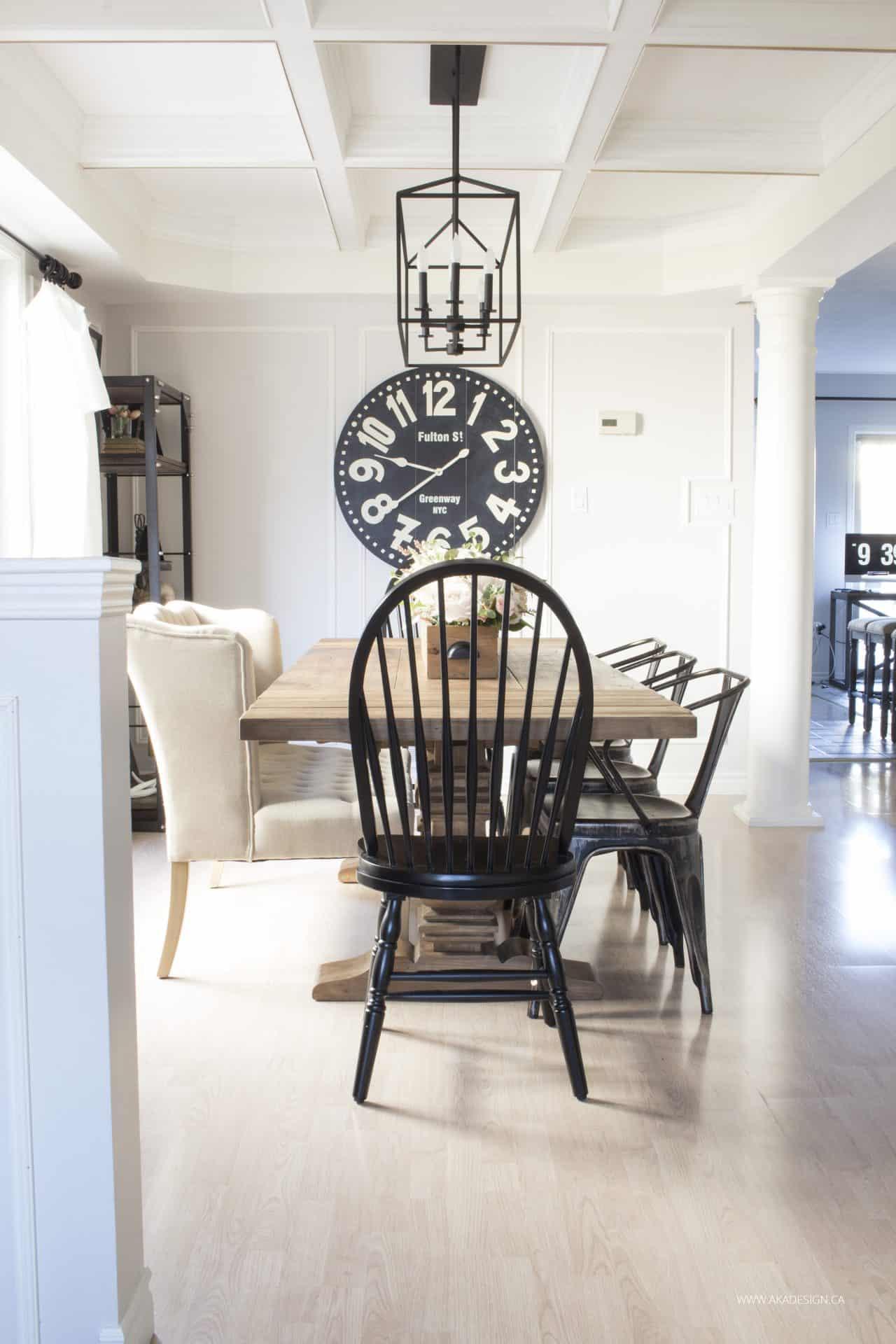 Light Wood Round Kitchen Table