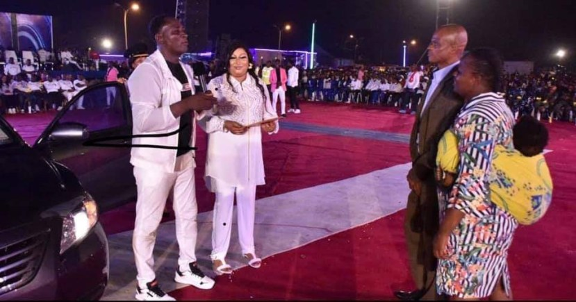 Prophet Fufeyin Gifts his old time pastor Friend from MFM a Car, 200k to change his wardrobe and one million naira for monthly stipends lindaikejisblog2