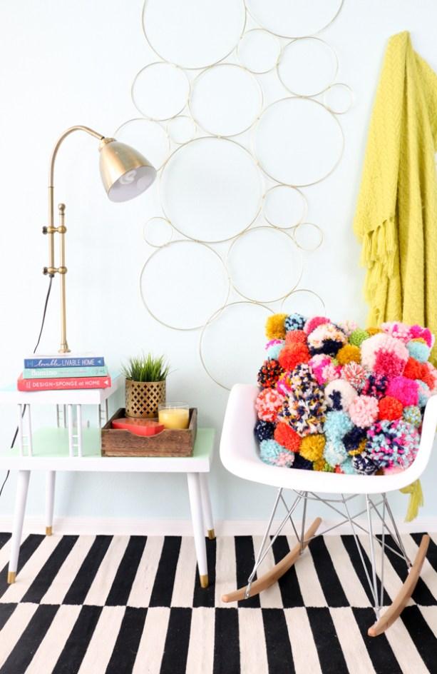 Pom pom crafts, DIY Pom Pom Pillow