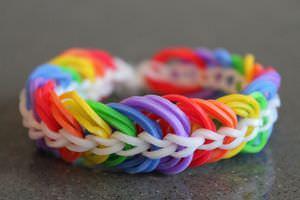 Come tessere i braccialetti di gomma