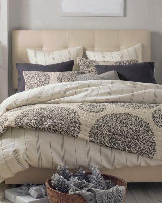 medallion linen quilt and sham