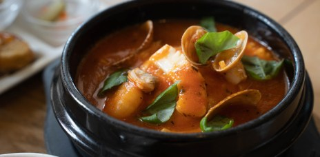沖繩那霸「とうふ家 Beans」近首里城的家傳豆腐鍋料理,平價又暖心
