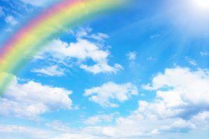 虹、レインボー、青空