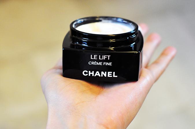Chanel Le Lift { Crème Fine } | www.akanksharedhu.com | Jar Packaging