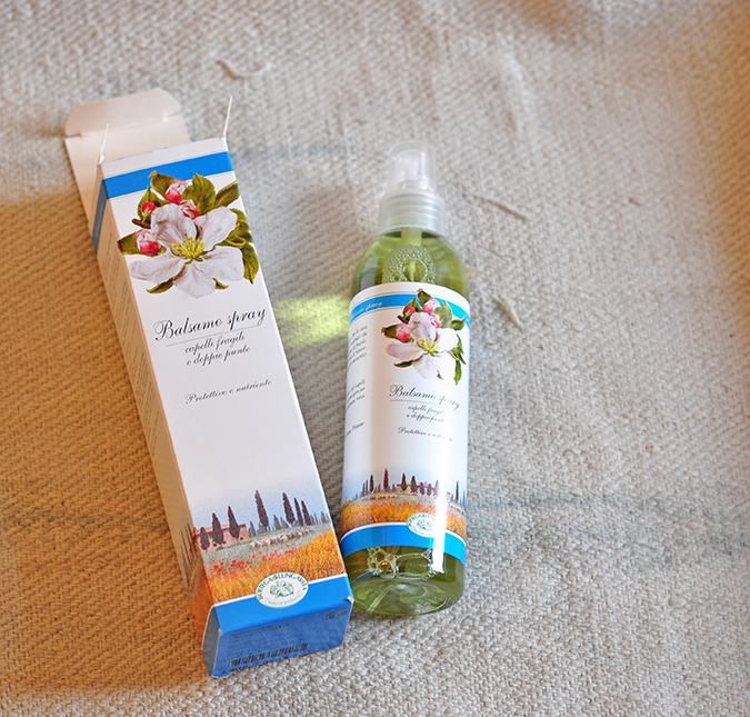 Bottega di Lungavita | Beauty Review | www.akanksharedhu.com | Balsamo Spray with carton