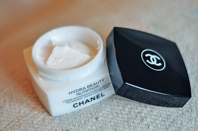 Hydra Beauty Nutrition - { Chanel }   www.akanksharedhu.com   Open Jar
