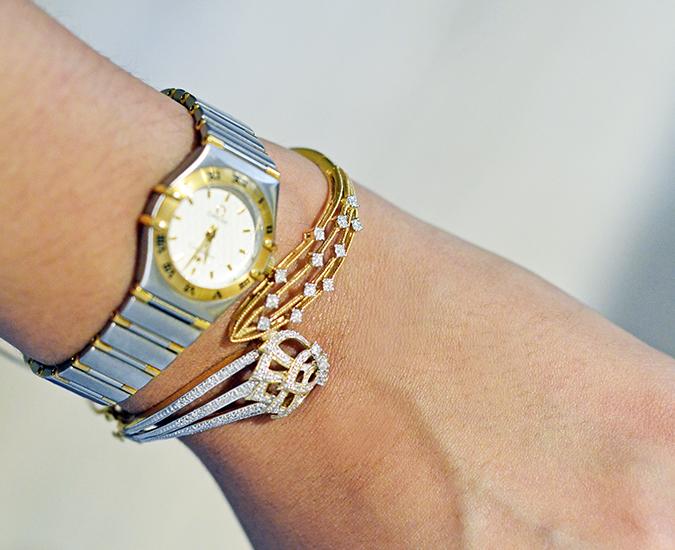 Zyra by Tanishq | www.akanksharedhu.com | bangle with watch