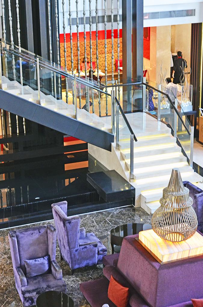 Weekend Getaway   Courtyard Marriott Gurgaon   Hotel Lobby