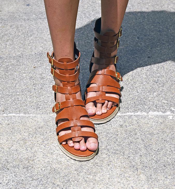 { Tropical Heat Wave } | www.akanksharedhu.com | shoes