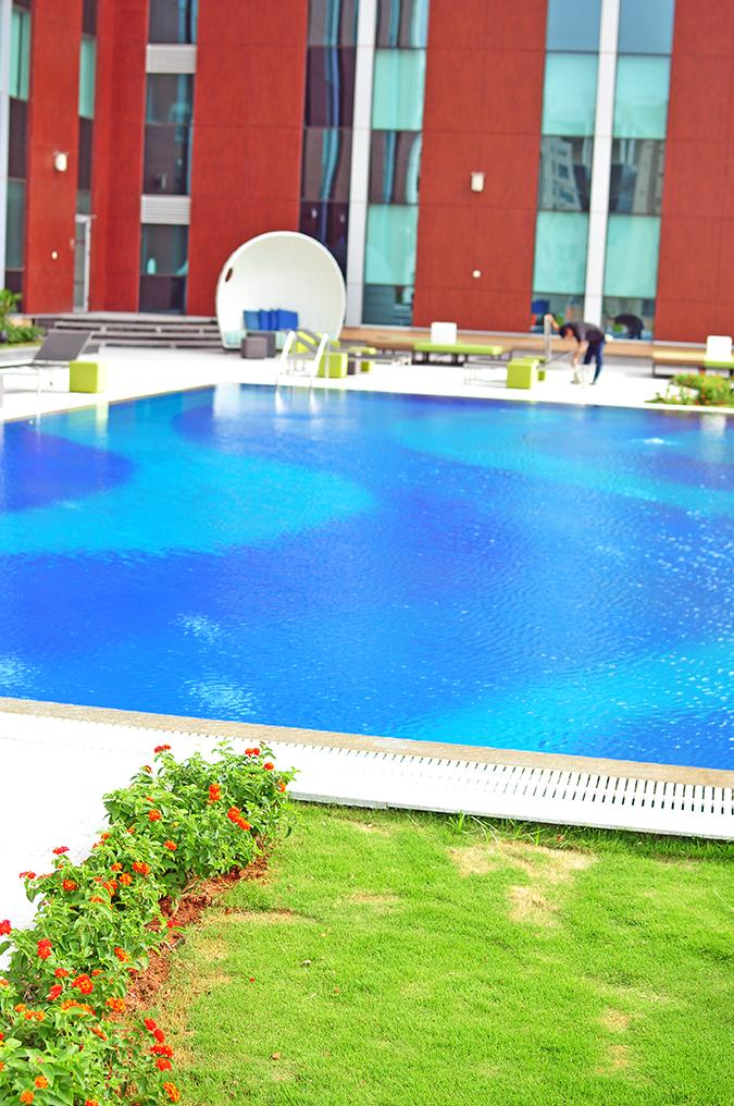 Aloft Hotels | www.akanksharedhu.com | pool1