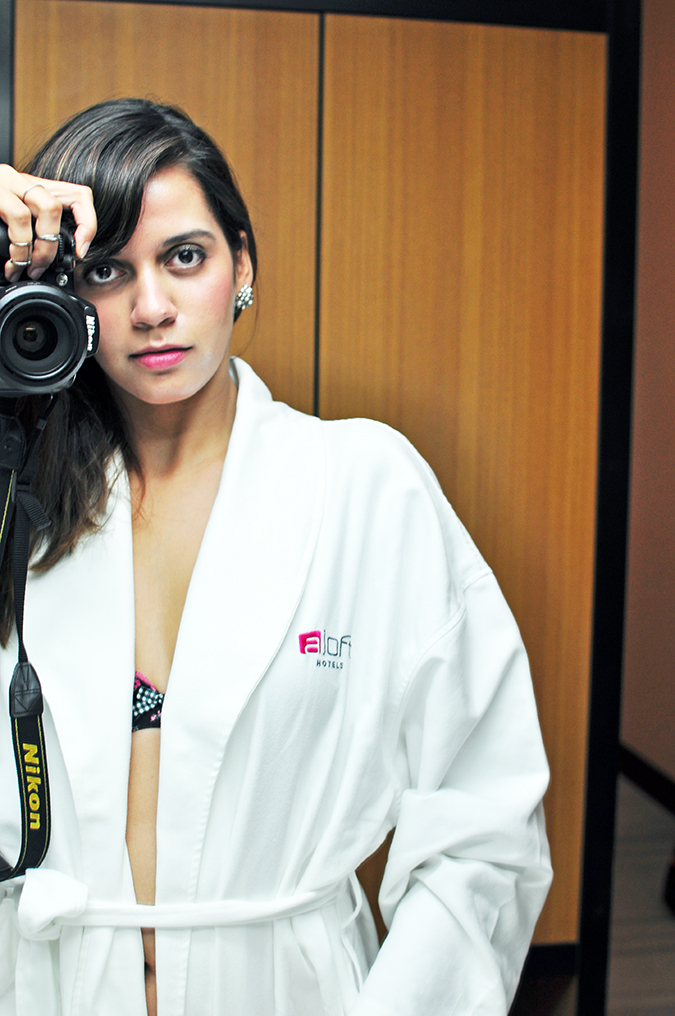 Aloft Hotels | www.akanksharedhu.com | mirror selfie