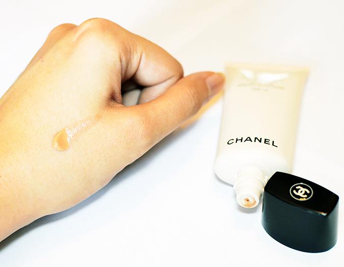 Les Beiges | Chanel | www.akanksharedhu.com | single on hand