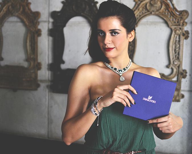 Swarovski | #StyleYourWayToParis | www.akanksharedhu.com | holding box