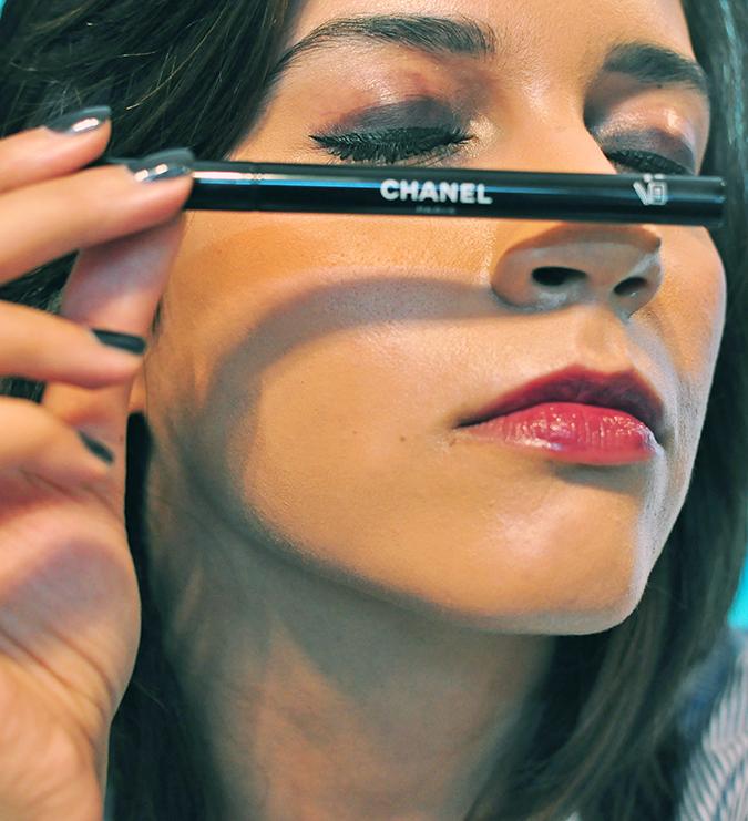 COLLECTION ÉTATS POÉTIQUES | Chanel | www.akanksharedhu.com | eyeliner on nose