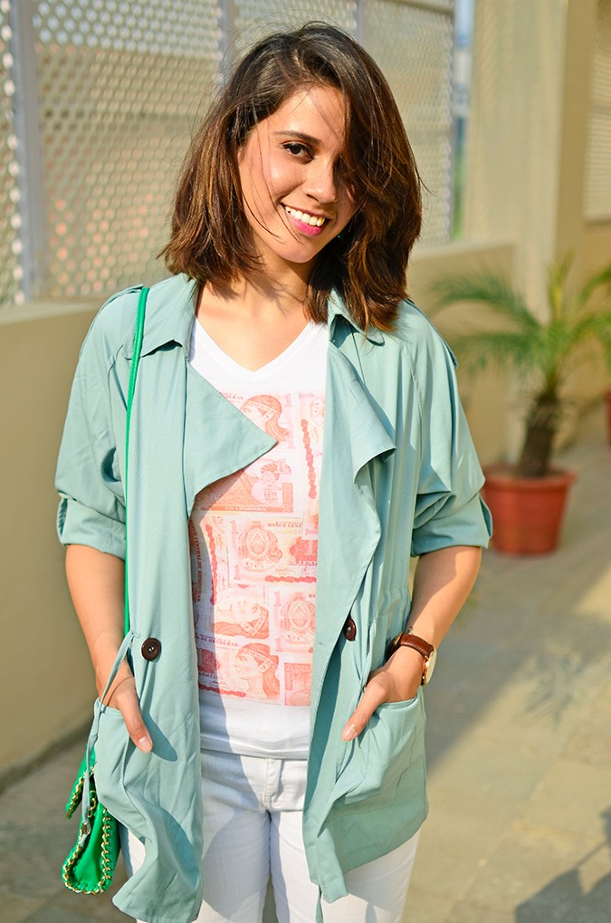 Weekend Getaway | Anya Gurgaon | www.akanksharedhu.com | outfit half front with tee