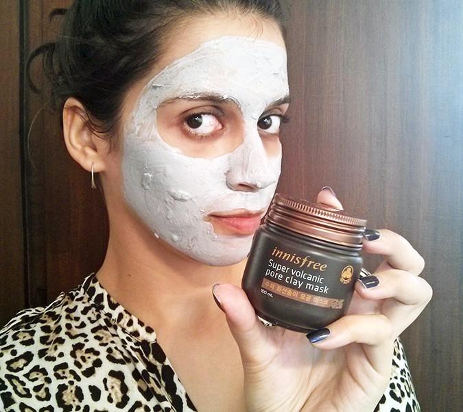 Beauty Stash | Innisfree | www.akanksharedhu.com | with clay mask on