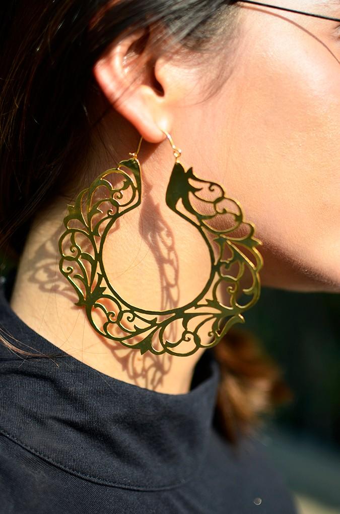#FutureHeirlooms | Eina Ahluwalia | www.akanksharedhu.com | earring closeup