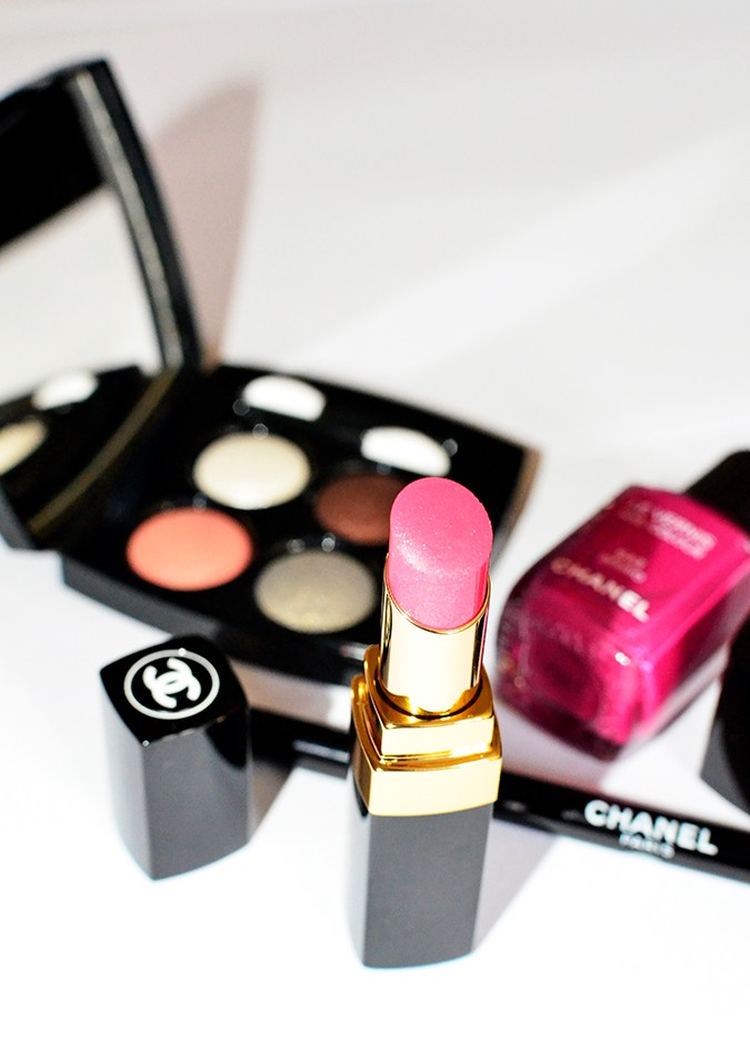 Collection Rêverie Parisienne | Chanel | Akanksha Redhu | lipstick makeup bckgrnd