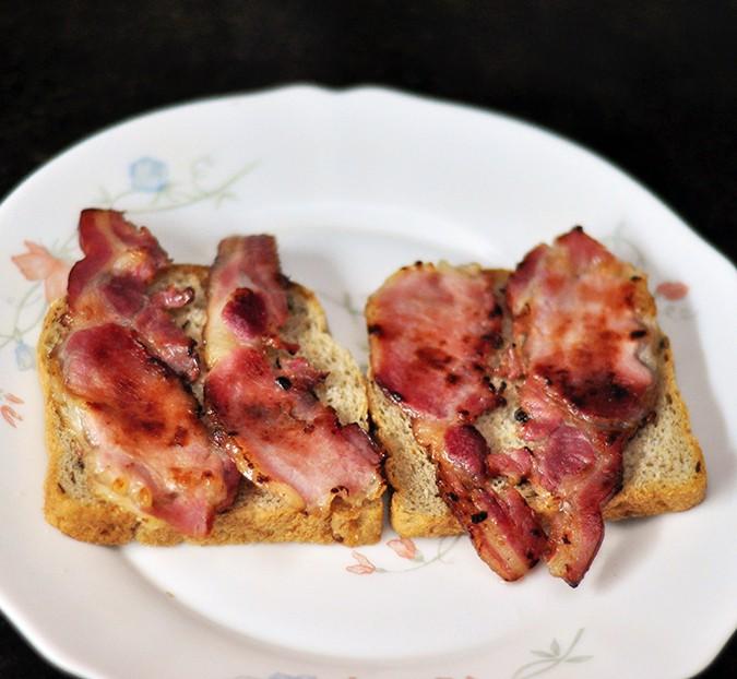 Bacon & Brie Egg Sandwich | Akanksha Redhu | bacon on both slices arranged
