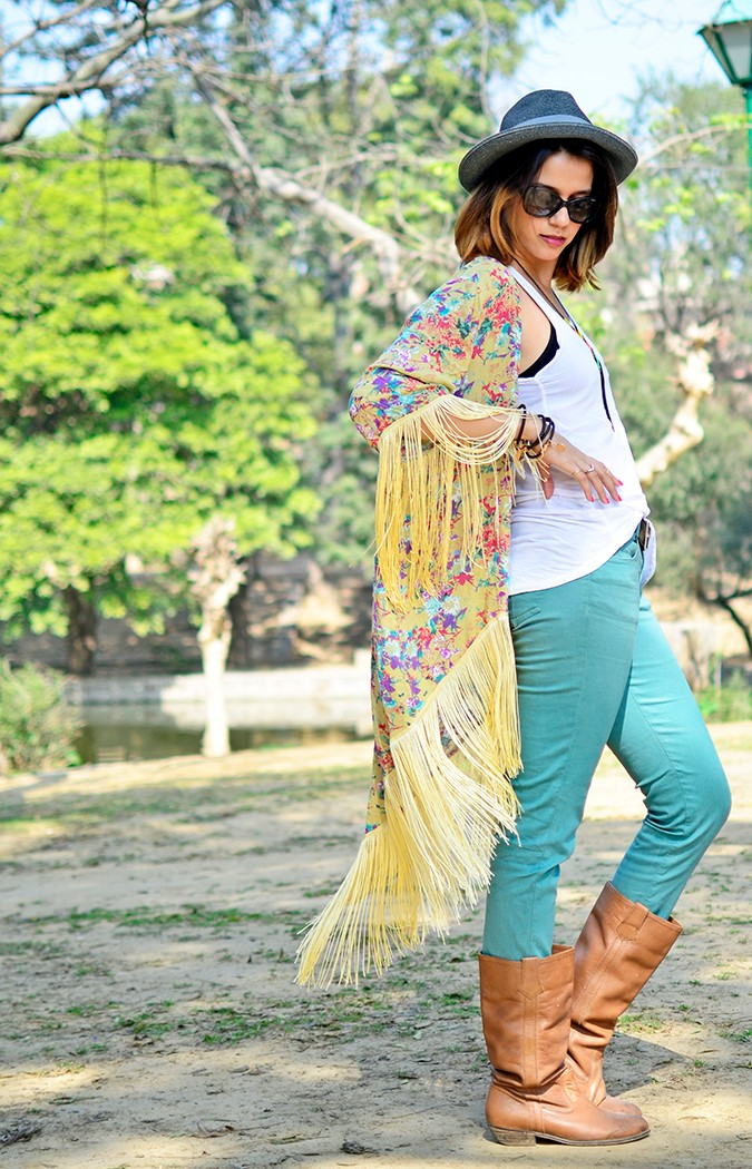 Hippie Kimono | Akanksha Redhu | full side hand on waist