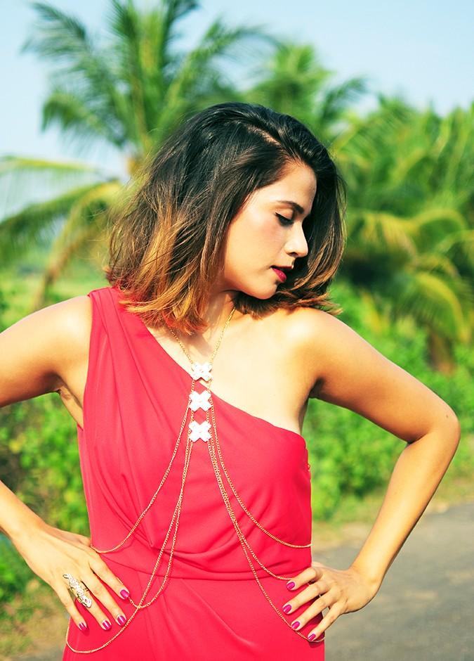 Coral Streets | BCBGMAXAZRIA | Akanksha Redhu | half font hands on waist