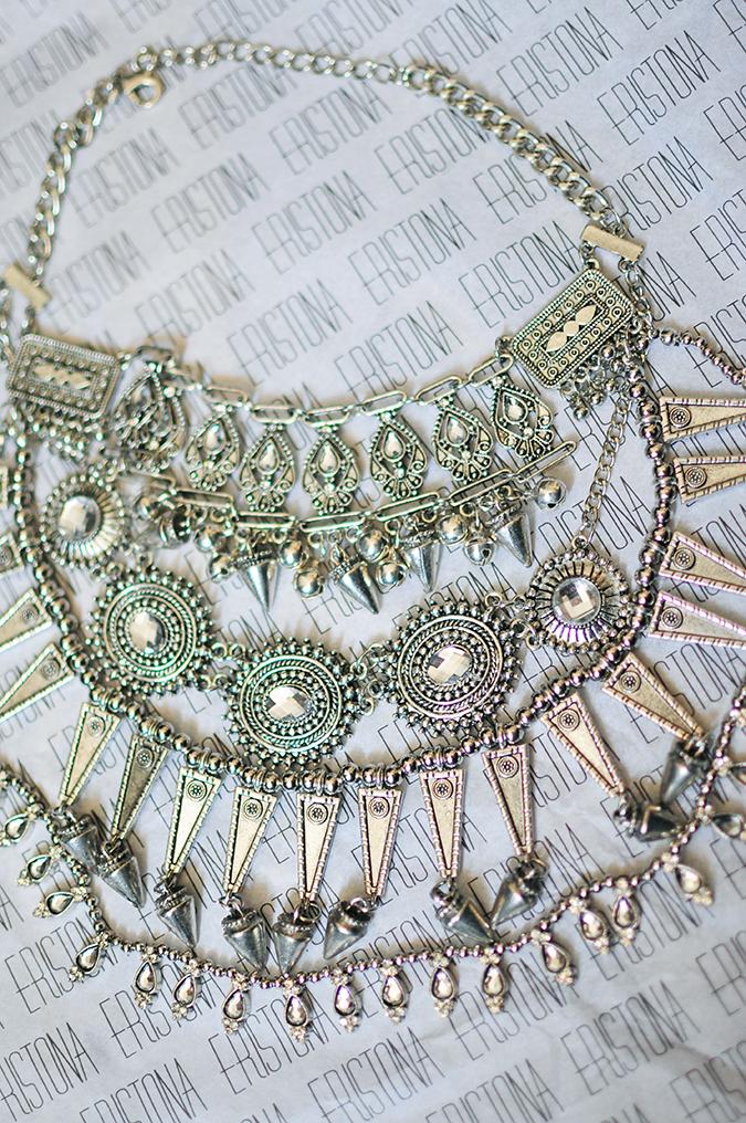 Éclat | Eristona | Akanksha Redhu | necklace flatlay