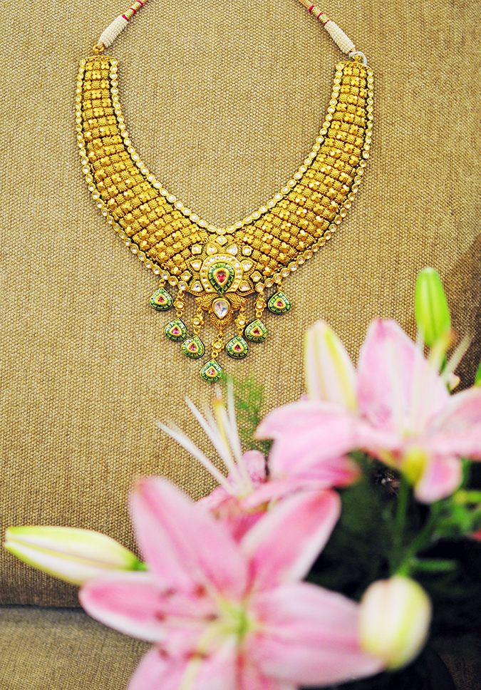 Tanishq Wedding Jewellery | Marwari Wedding | Akanksha Redhu | necklace with flowers