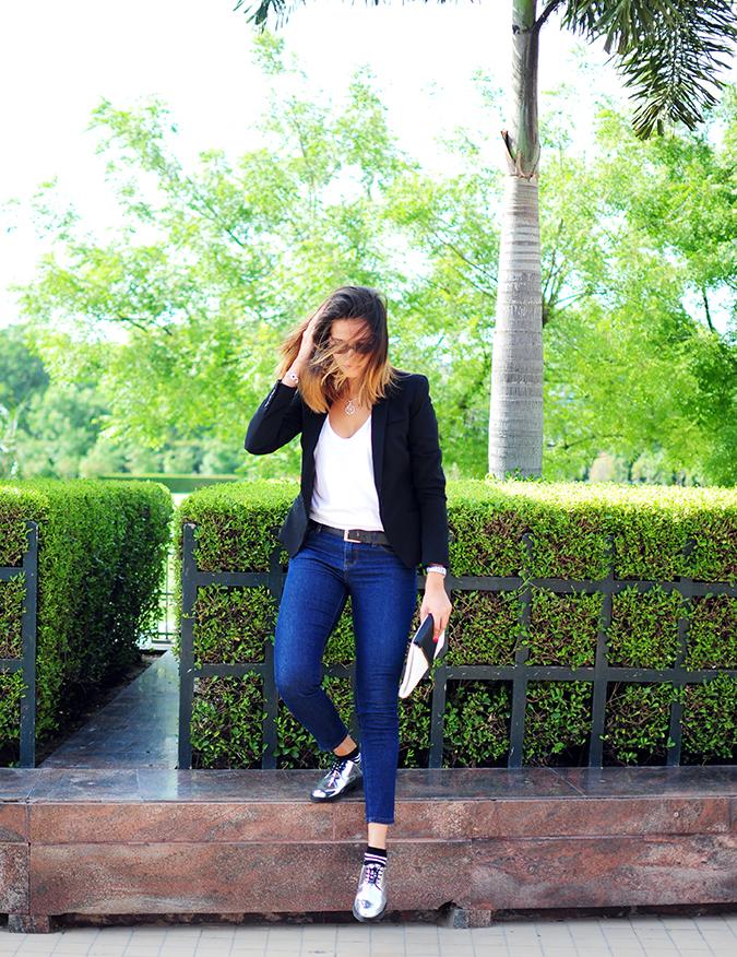 Basic Vibes | Akanksha Redhu | full front stepping down