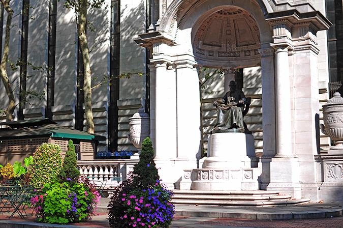 Bryant Park | New York City | #RedhuxNYC | statue