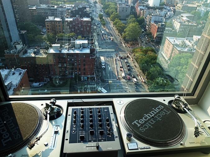 Airbnb | New York City | #RedhuxNYC | music