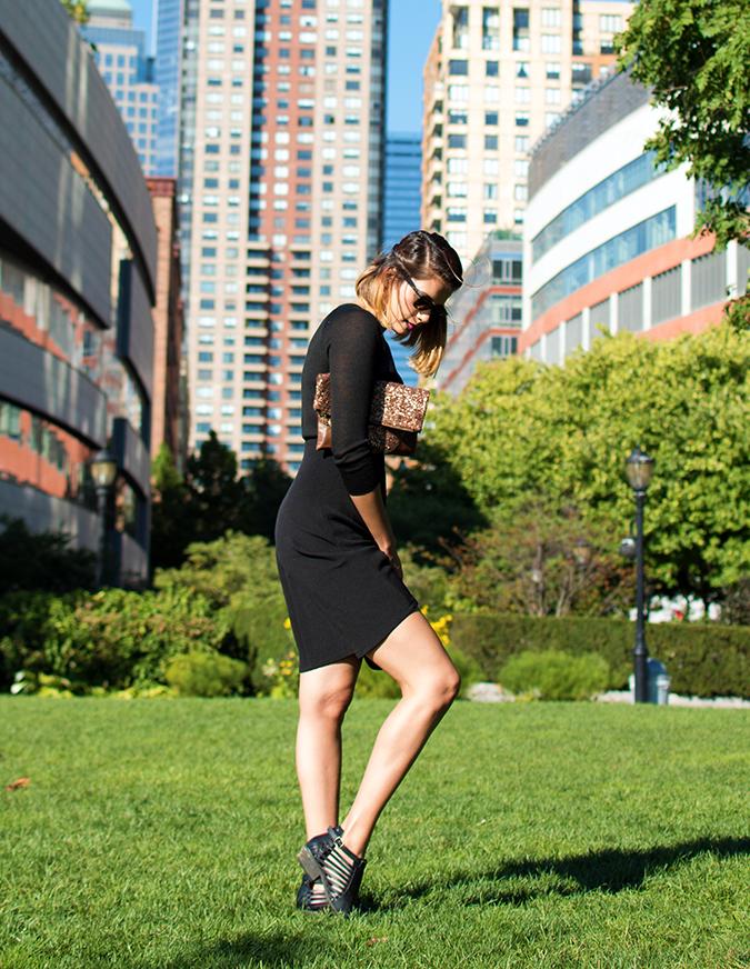 Battery Park | NYC | #RedhuxNYC | full sdie leg up