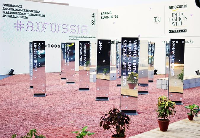 AIFW | Akanksha Redhu | #AIFWSS16 | Burberry | venue longer