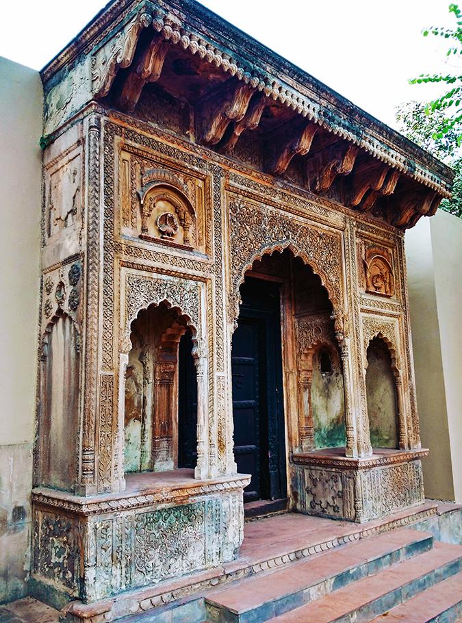 Crafts Museum | New Delhi | Akanksha Redhu | wooden gate