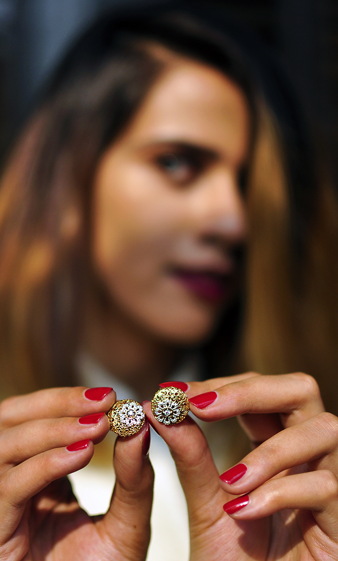 BeeJewelled - CaratLane | Akanksha Redhu | earrings closeup