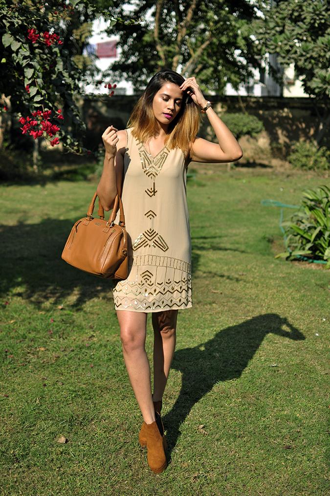 Vero Moda Marquee | Akanksha Redhu | full front leg in front