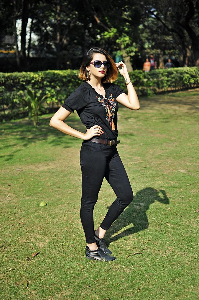 City Black | Sbuys | Akanksha Redhu | full 34th hedge arm up